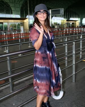 Hina Khan - Photos: Celebs Spotted At Airport | Picture 1789046