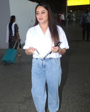 Mahhi Vij Bhanushali - Photos: Celebs Spotted At Airport | Picture 1790072