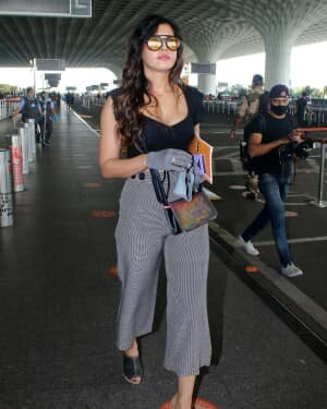 Divinaa Thackur - Photos: Celebs Spotted At Airport | Picture 1789069