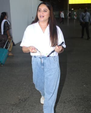 Mahhi Vij Bhanushali - Photos: Celebs Spotted At Airport | Picture 1790071