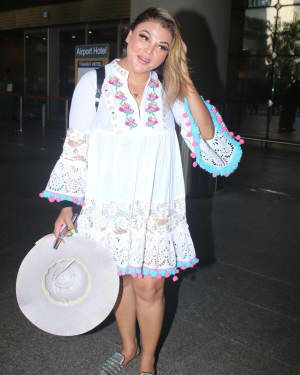 Rakhi Sawant - Photos: Celebs Spotted At Airport | Picture 1790025
