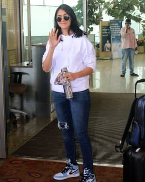 Mrunal Thakur - Photos: Celebs Spotted At Airport | Picture 1790061