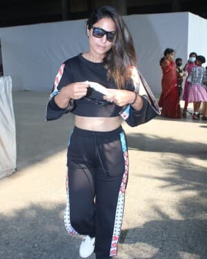 Hina Khan - Photos: Celebs Spotted At Airport | Picture 1791149