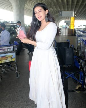 Amyra Dastur - Photos: Celebs Spotted At Airport | Picture 1791759