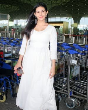 Amyra Dastur - Photos: Celebs Spotted At Airport | Picture 1791763