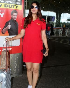 Akanksha Puri - Photos: Celebs Spotted At Airport | Picture 1820685