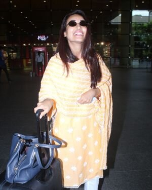 Surbhi Jyoti - Photos: Celebs Spotted At Airport   Picture 1820717