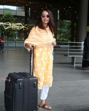 Surbhi Jyoti - Photos: Celebs Spotted At Airport   Picture 1820711