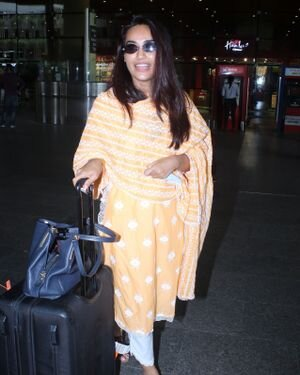 Surbhi Jyoti - Photos: Celebs Spotted At Airport   Picture 1820712
