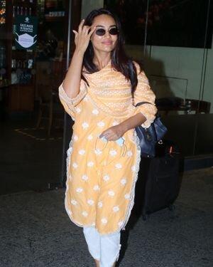 Surbhi Jyoti - Photos: Celebs Spotted At Airport