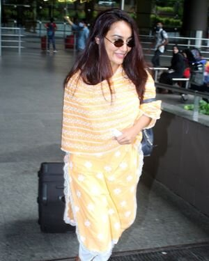 Surbhi Jyoti - Photos: Celebs Spotted At Airport | Picture 1820708