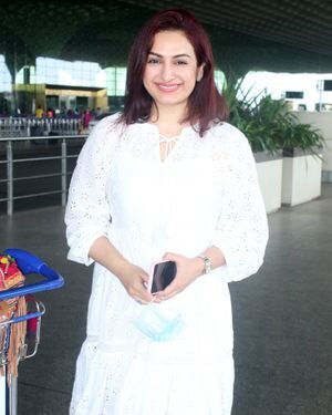 Akriti Kakkar - Photos: Celebs Spotted At Airport | Picture 1820800