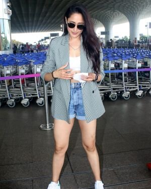 Pragya Jaiswal - Photos: Celebs Spotted At Airport   Picture 1820807