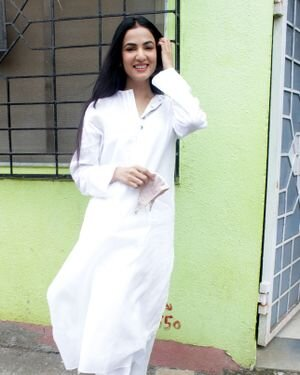 Sonal Chauhan - Photos: Celebs Spotted At Andheri | Picture 1820922