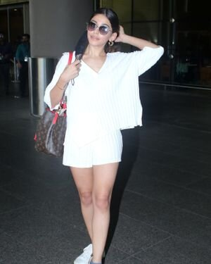 Alaya Furniturewala - Photos: Celebs Spotted At Airport | Picture 1821079