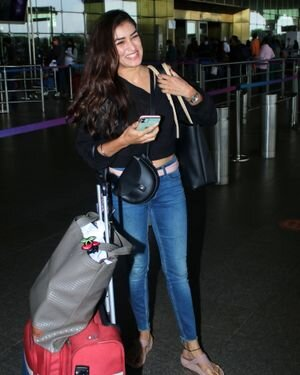 Manmeet Kaur - Photos: Celebs Spotted At Airport | Picture 1821110