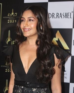 Surbhi Chandna - Photos: Celebs At The Red Carpet International Iconic Awards Season 7 | Picture 1822177