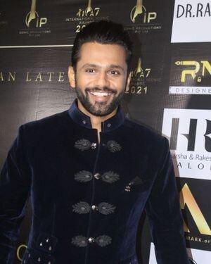 Rahul Vaidya - Photos: Celebs At The Red Carpet International Iconic Awards Season 7   Picture 1822190