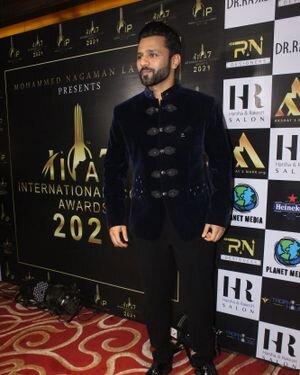 Rahul Vaidya - Photos: Celebs At The Red Carpet International Iconic Awards Season 7   Picture 1822189