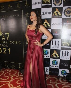 Hiba Nawab - Photos: Celebs At The Red Carpet International Iconic Awards Season 7 | Picture 1822148
