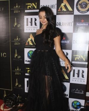 Helly Shah - Photos: Celebs At The Red Carpet International Iconic Awards Season 7 | Picture 1822160