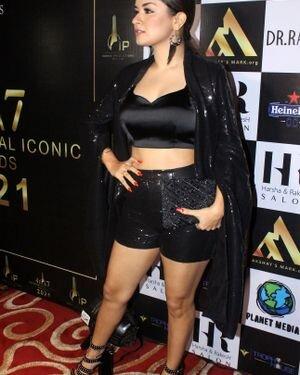 Avneet Kaur - Photos: Celebs At The Red Carpet International Iconic Awards Season 7   Picture 1821484