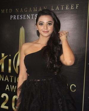 Helly Shah - Photos: Celebs At The Red Carpet International Iconic Awards Season 7 | Picture 1822154