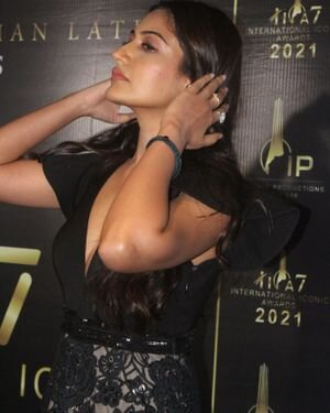 Surbhi Chandna - Photos: Celebs At The Red Carpet International Iconic Awards Season 7 | Picture 1822170