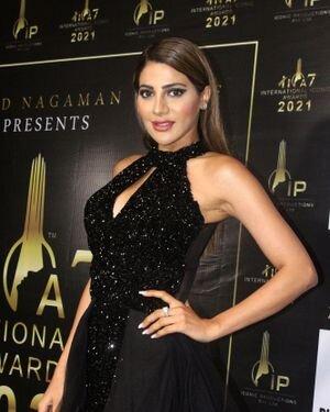 Nikki Tamboli - Photos: Celebs At The Red Carpet International Iconic Awards Season 7 | Picture 1822385