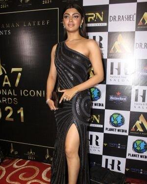 Akanksha Puri - Photos: Celebs At The Red Carpet International Iconic Awards Season 7 | Picture 1822359