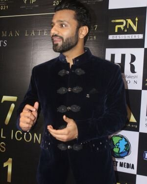 Rahul Vaidya - Photos: Celebs At The Red Carpet International Iconic Awards Season 7   Picture 1822185