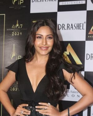 Surbhi Chandna - Photos: Celebs At The Red Carpet International Iconic Awards Season 7 | Picture 1822173