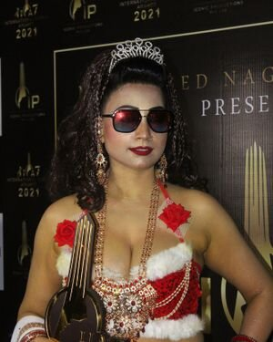 Photos: Celebs At The Red Carpet International Iconic Awards Season 7