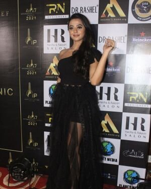 Helly Shah - Photos: Celebs At The Red Carpet International Iconic Awards Season 7 | Picture 1822159