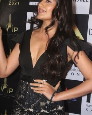Surbhi Chandna - Photos: Celebs At The Red Carpet International Iconic Awards Season 7 | Picture 1822178