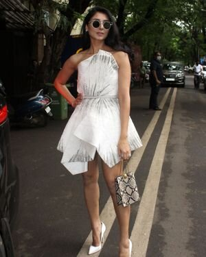 Pernia Qureshi - Photos: Celebs Spotted At Juhu   Picture 1821317