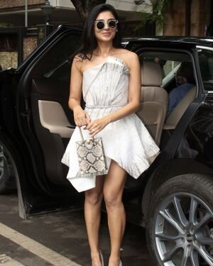 Pernia Qureshi - Photos: Celebs Spotted At Juhu   Picture 1821321
