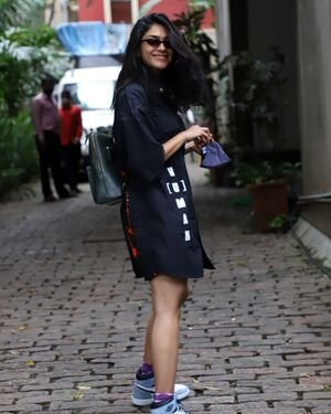 Mrunal Thakur - Photos: Celebs Spotted At Bandra   Picture 1822714
