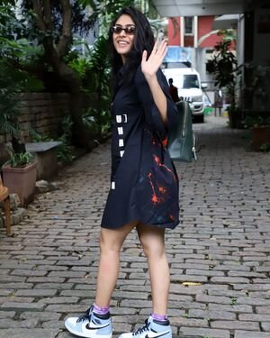 Mrunal Thakur - Photos: Celebs Spotted At Bandra   Picture 1822717