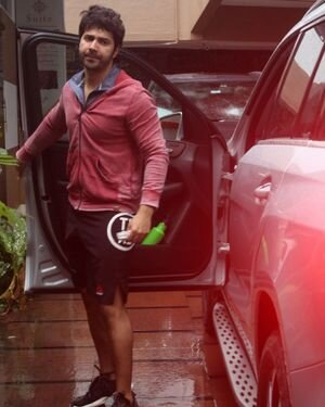 Varun Dhawan - Photos: Celebs Spotted At Gym | Picture 1822754