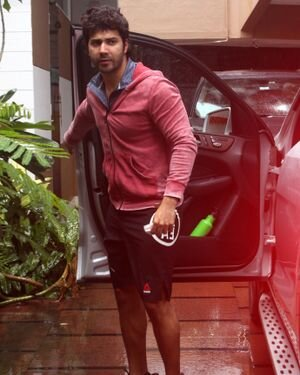 Varun Dhawan - Photos: Celebs Spotted At Gym | Picture 1822753