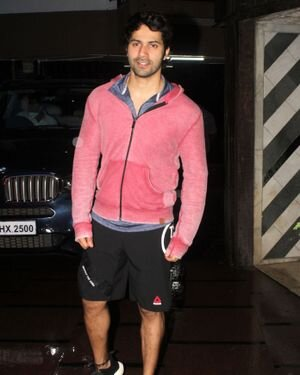 Varun Dhawan - Photos: Celebs Spotted At Gym | Picture 1822755