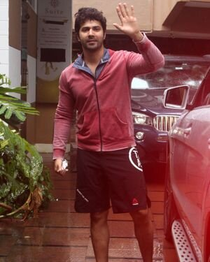 Varun Dhawan - Photos: Celebs Spotted At Gym | Picture 1822751