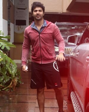 Varun Dhawan - Photos: Celebs Spotted At Gym | Picture 1822752