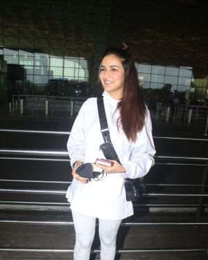Jasmin Bhasin - Photos: Celebs Spotted At Airport | Picture 1822847