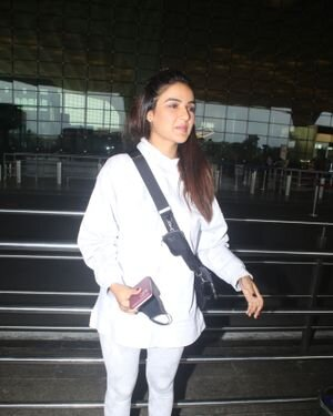 Jasmin Bhasin - Photos: Celebs Spotted At Airport | Picture 1822846