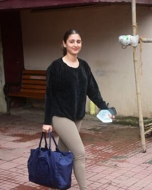 Dhvani Bhanushali - Photos: Celebs Spotted At Gym