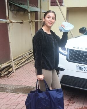 Dhvani Bhanushali - Photos: Celebs Spotted At Gym | Picture 1822861