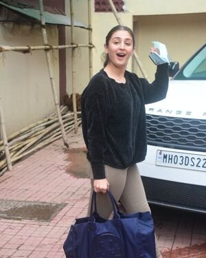 Dhvani Bhanushali - Photos: Celebs Spotted At Gym | Picture 1822862