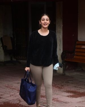 Dhvani Bhanushali - Photos: Celebs Spotted At Gym | Picture 1822859